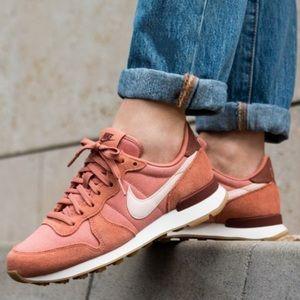 Women's Shoe Nike Internationalist